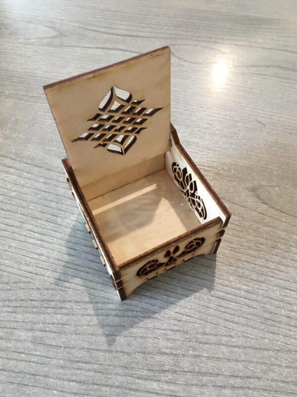Gyűrű tartó doboz